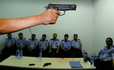 公安部要求一线民警进行武器训练应对突发事件