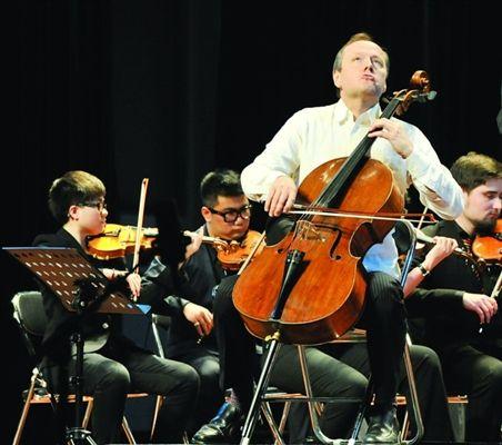 中德芬大学师生聚苏城大提琴演奏家谈苏州印象
