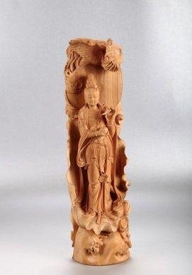 木雕:《檀香观音》